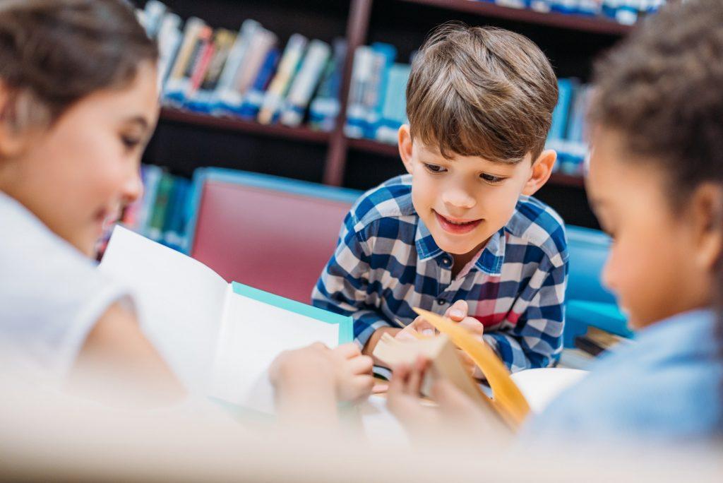 trẻ học từ vựng tiếng Anh cho trẻ em