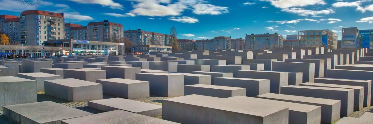 holocaust-word-search-game-tim-tu-vung-de-tai-tham-hoa-diet-chung-holocaust